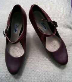 Clarke's woman's shoes size 4D