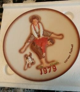 """FOR SALE: Norman Rockwell 7 1/2"""" plate"""