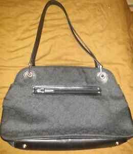 Black bag purse satchel tote medium London Ontario image 3