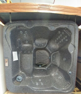 7ft Coyote Spa Hot Tub