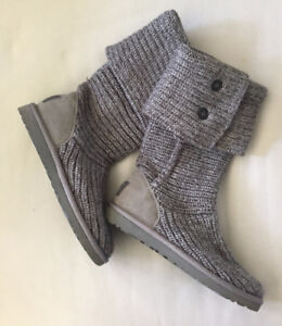 UGG Classic Cardi Knit - Taille 6 (ou 37)