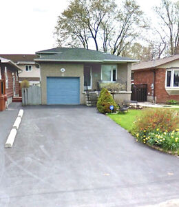 DETACHED 3 BDRM HOME WITH DIRECT LAKEVIEW, STONEY CREEK