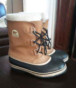 Winter Boots - Women - Size 5 - SOREL