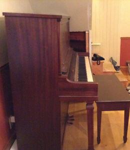 Piano antique Saint-Hyacinthe Québec image 5