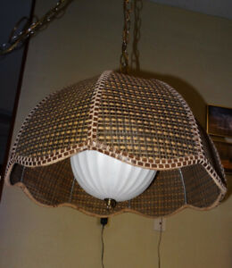 VINTAGE RATTAN HANGING LAMP, ex condition - in Bowser