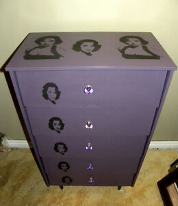 Elizabeth Taylor Chest of drawers