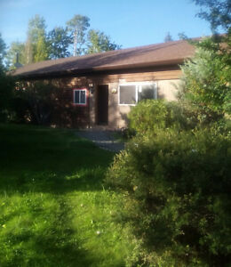 Manufactured home in the 100 mile house area,CARIBOO