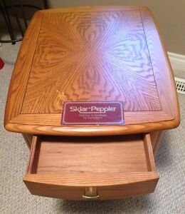 Sklar Peppler Oak End Table -GORGEOUS - Mint Condition-Real Wood Edmonton Edmonton Area image 6