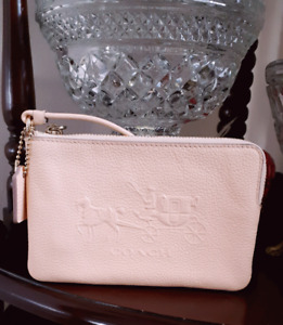 New Coach Beechwood/peach/soft pink Small Wristlet Leather