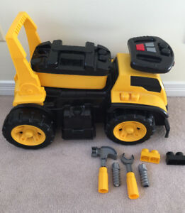 Mega Bloks ride on CAT truck with tools and sound