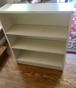 Sturdy storage cabinet with 3 shelves