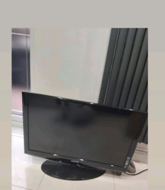Samsung 37inch tv with remote control