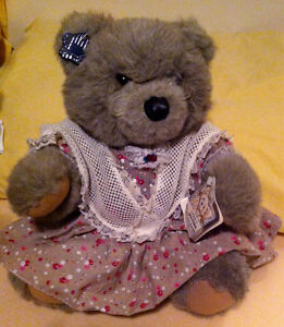 Tribute to GrandMa 14`plush bear by Applause NEW
