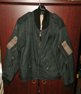 Vintage 1985 Canadian Air Force pilot's bomber jacket 5'7-5'10