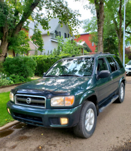2002 Nissan Pathfinder SE V6 4WD Very Clean!