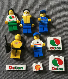 Lego Minifigures and small accessories