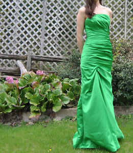 Prom dress- emerald green, mermaid style for sale! NEGOTIABLE West Island Greater Montréal image 2