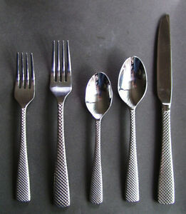 Oneida Contemporary 4-Setting Flatware Sets