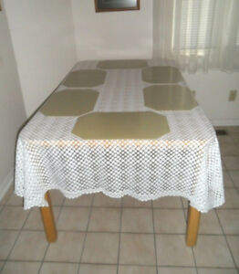 Lace Tablecloth + 6 Placemats