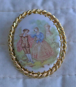 Fragonard Cameo Style Pin Broach (Gold Guilded)