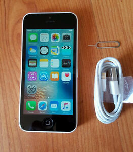 APPLE IPHONE 5C WHITE (ROGERS/CHAT-R)(PERFECT CONDITION)