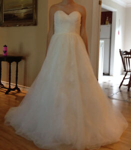 NEW LOWERED PRICE - Jacqueline Exclusive Wedding Gown Cambridge Kitchener Area image 6