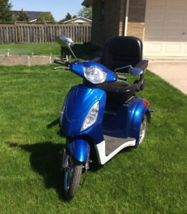$1195.00 or best offer for Cemoto electric scooter, like new!