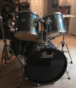 PEARL DRUMS -5 piece.