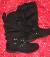 *brand new* black winter boots size 7