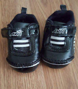 Avia baby shoes small size 0!