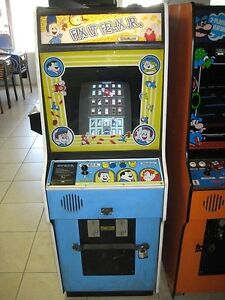 Fix-it-Felix-Jr-Arcade-Video-Game-from-Disney-Movie-Wreck-it-Ralph