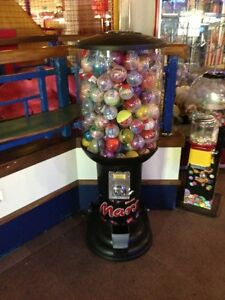 NOVELTY-CAPSULE-POUND-1-BALL-VENDING-MACHINE-ARCADE-AMUSEMENT-VARIOUS-DESIGNS