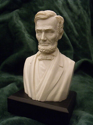 Abraham Lincoln    Bust   Statue   New In Box  6  High   White