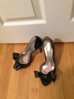 Black Paris Hilton shoes size 6.5