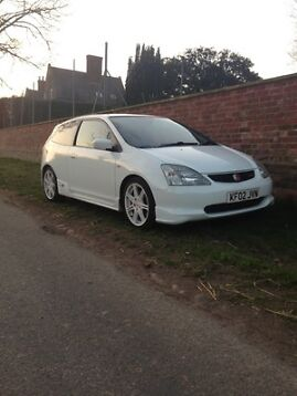 Acura  West on Championship Whitejdm Honda Civic Fd2 Type R 4 Door Sports Saloon
