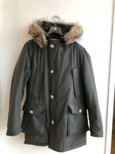 Woolrich Arctic Parka  Size: Small Olive Green