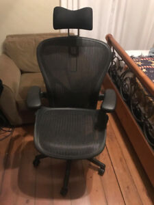 Herman Miller Aeron Chair Size C Fully Adjustable with headrest