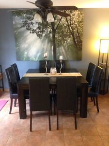 Beautiful dining table set for 8!!