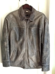 Leather Jacket - Danier distressed leather jacket Size M 40/42