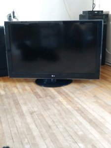 Lg 55lh55 tv for sale 10 years old in perfect condition 300 OBO