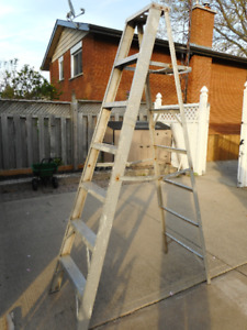 ALUMINUM 7 ft. STEP LADDER FOR SALE
