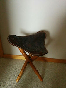 Saddle chair/stool
