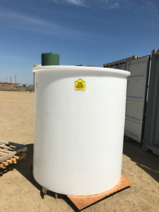 Brand New 1250 gallon HDPE tank for sale