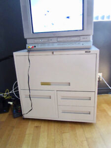 Global Business File Taxi (Filing Cabinet w. Drawers on Wheels)