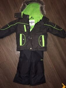 Oshkosh Snow Suit Brand New Condition  Edmonton Edmonton Area image 2