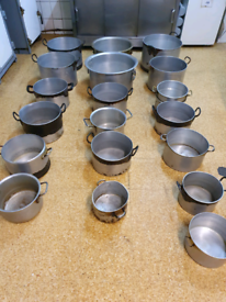 Large and medium cooking pots