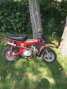 Mini trail Honda Ct 70 avec un 125 cc à cluch