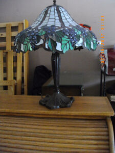 Tiffiny Style Table Lamp