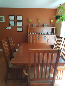 Beautiful Solid Oak Formal Dining Room Table, Chairs, Hutch