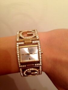 BEAUTIFUL WOMANS GUESS WATCH ** GREAT CONDITION **